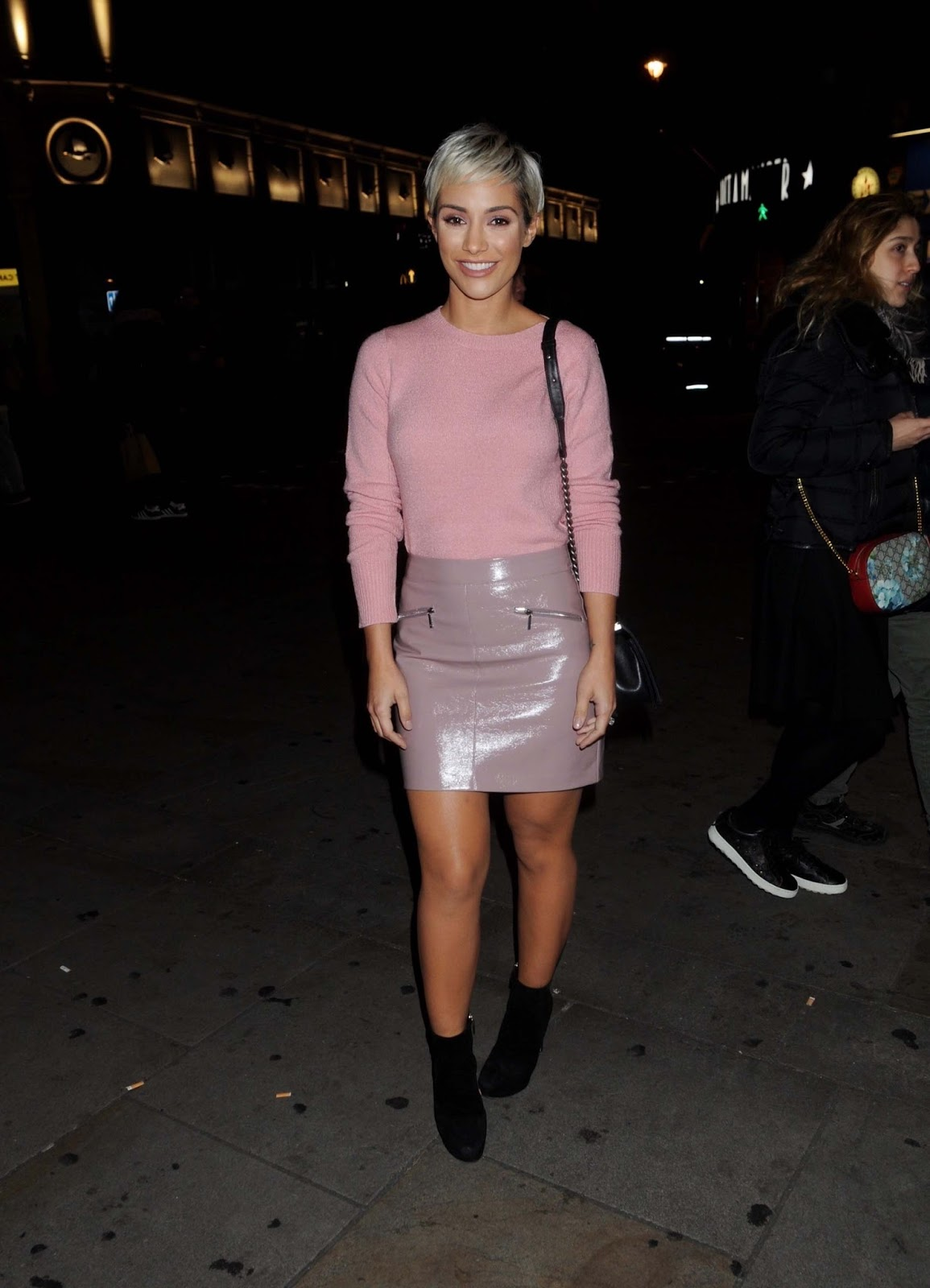 Lovely Ladies In Leather Frankie Bridge In A Leather Mini