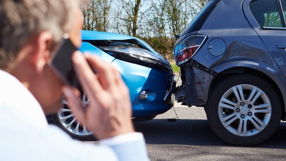 Bảo hiểm vật chất xe ô tô chi trả cho những thiệt hại do va chạm, lật xe, cháy nổ...