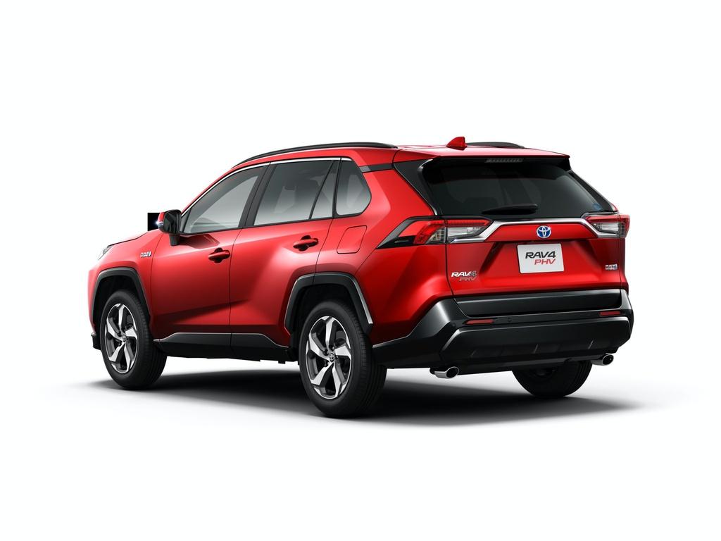 Toyota RAV4 PHV ra mắt tại Nhật Bản, nhiều công nghệ an toàn