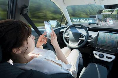 Driveless Car merupakan transportasi tanpa perlu dikendarai oleh manusia