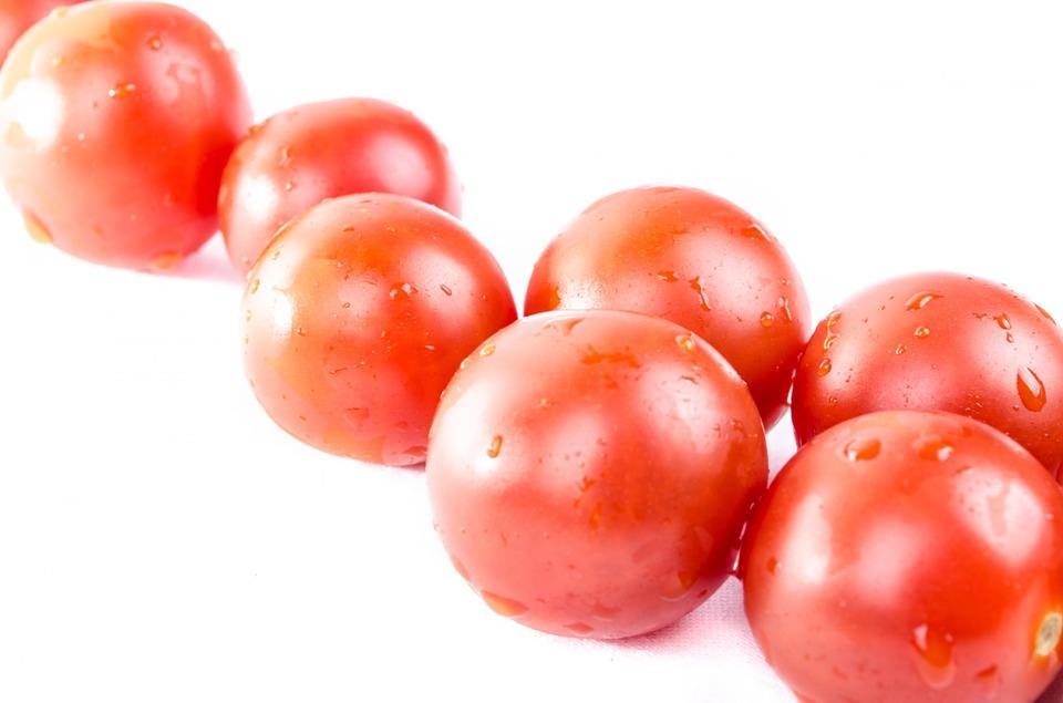 C mo plantar tomates cherry amigos de la jardiner a for Como aprender jardineria