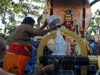 Dewa-Dewi Hindu Turun Tangan Atasi Warga yang Meludah Sembarangan