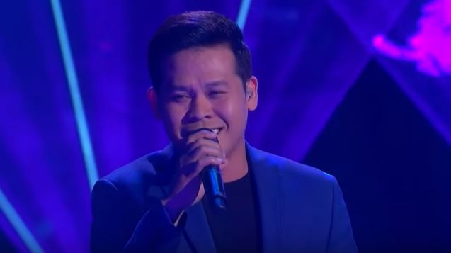"""Marcelito Pomoy sings """"Beauty and the Beast"""" in America's Got Talent Grand Finals"""