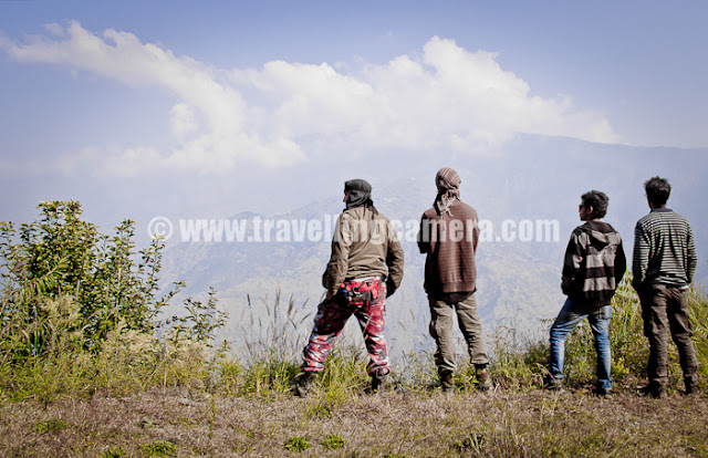 Mountain Terrain Biking, Himachal Pradesh 2011 - Day 3 - Tani Jubber to  Kullu Sarhan : Officials and Marshals of Mountain Terrain Biking Himachal 2011 looking at the deep valley near Kotgarh, while Stage was not actually up and I was getting ready for action... This was a wonderful downhill where I was expecting some better panning shots...