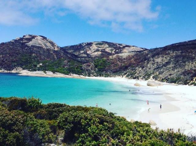 10 bãi biển nude độc nhất thế giới