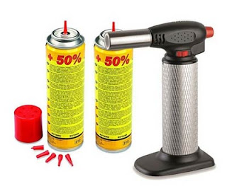 https://www.awin1.com/cread.php?awinmid=6901&awinaffid=297041&clickref=&p=https%3A%2F%2Fwww.rueducommerce.fr%2Fproduit%2Fkemper-chalumeau-de-cuisine-professionnel-2-recharges-gaz-micro-torche-a-allumage-piezo-debit-de-gaz-reglable-28261498%2Foffre-68347886