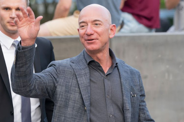 Jeff Bezos Pendiri dan CEO Amazon