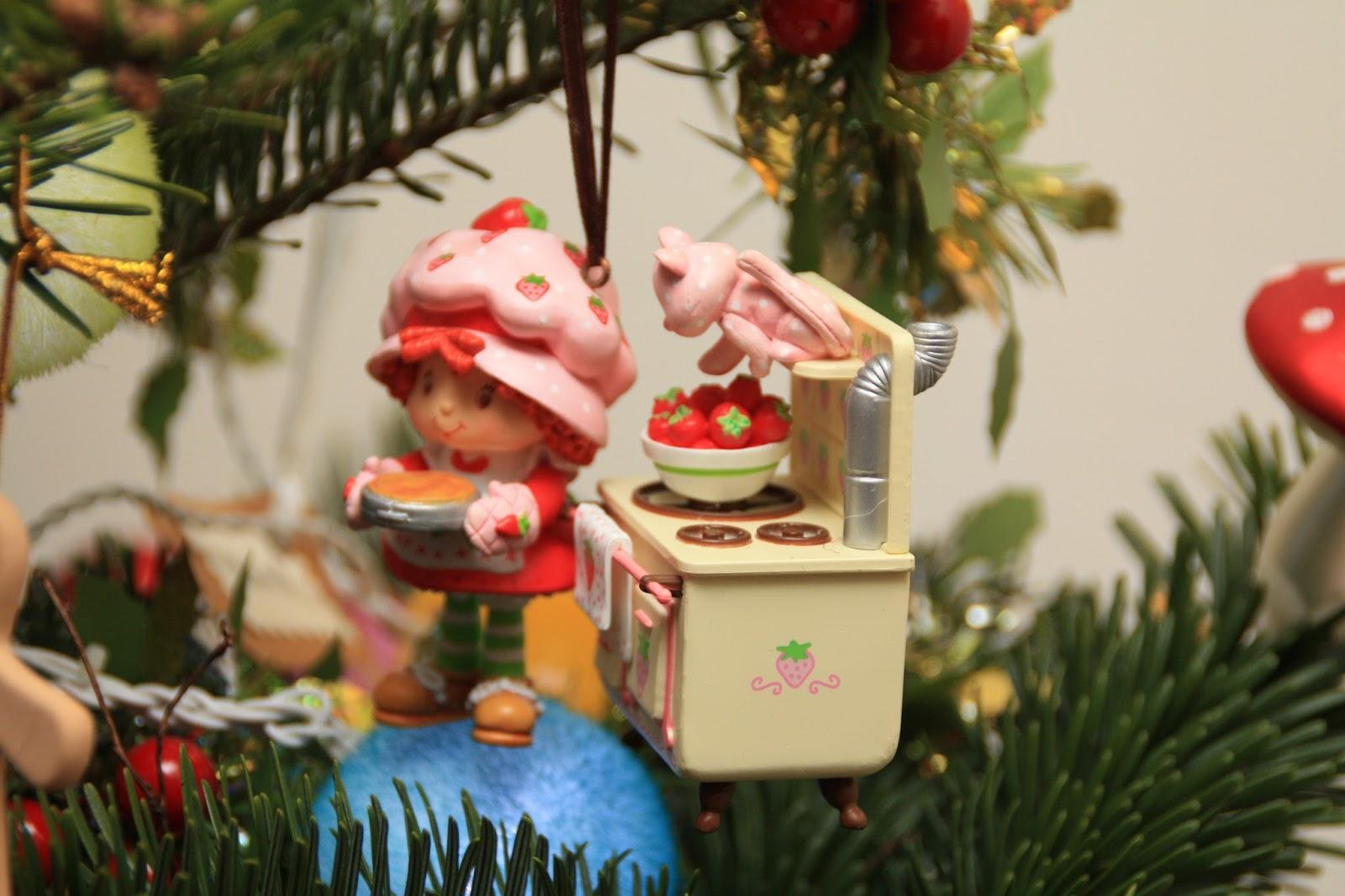 Decors De Table De Noel Avec Des Boules Marrons