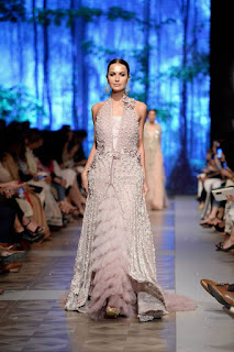 Sana-safinaz-new-style-the-last-of-the-night-plbw17-collection-1
