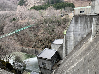 塩原ダム下流側