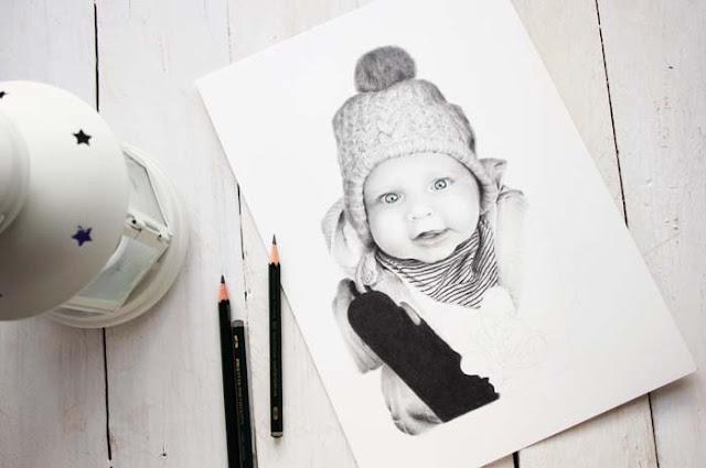 Retrato realista infantil a lápiz de grafito