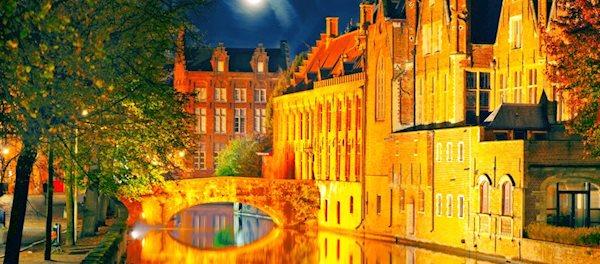 Pour votre voyage Bruges, comparez et trouvez un hôtel au meilleur prix.  Le Comparateur d'hôtel regroupe tous les hotels Bruges et vous présente une vue synthétique de l'ensemble des chambres d'hotels disponibles. Pensez à utiliser les filtres disponibles pour la recherche de votre hébergement séjour Bruges sur Comparateur d'hôtel, cela vous permettra de connaitre instantanément la catégorie et les services de l'hôtel (internet, piscine, air conditionné, restaurant...)