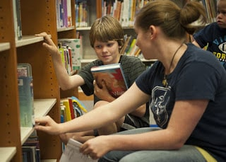 How to Motivate your Child to Book Reading?