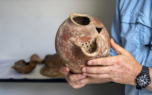 Israeli scientists resurrect yeast from ancient beer jugs to recreate 5,000-year-old brew