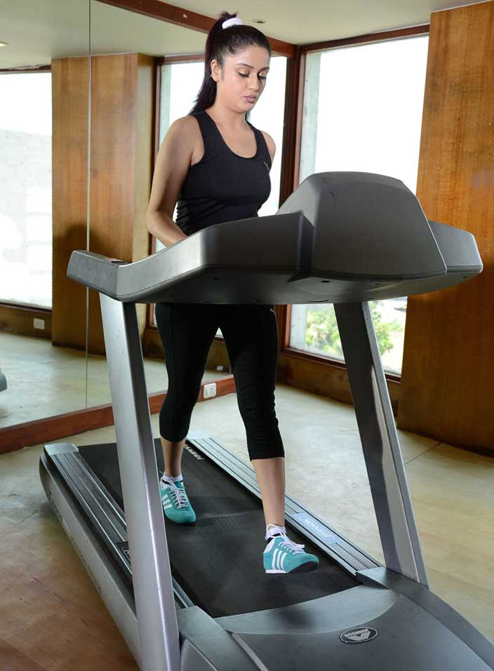Poonam Kaur In Gym
