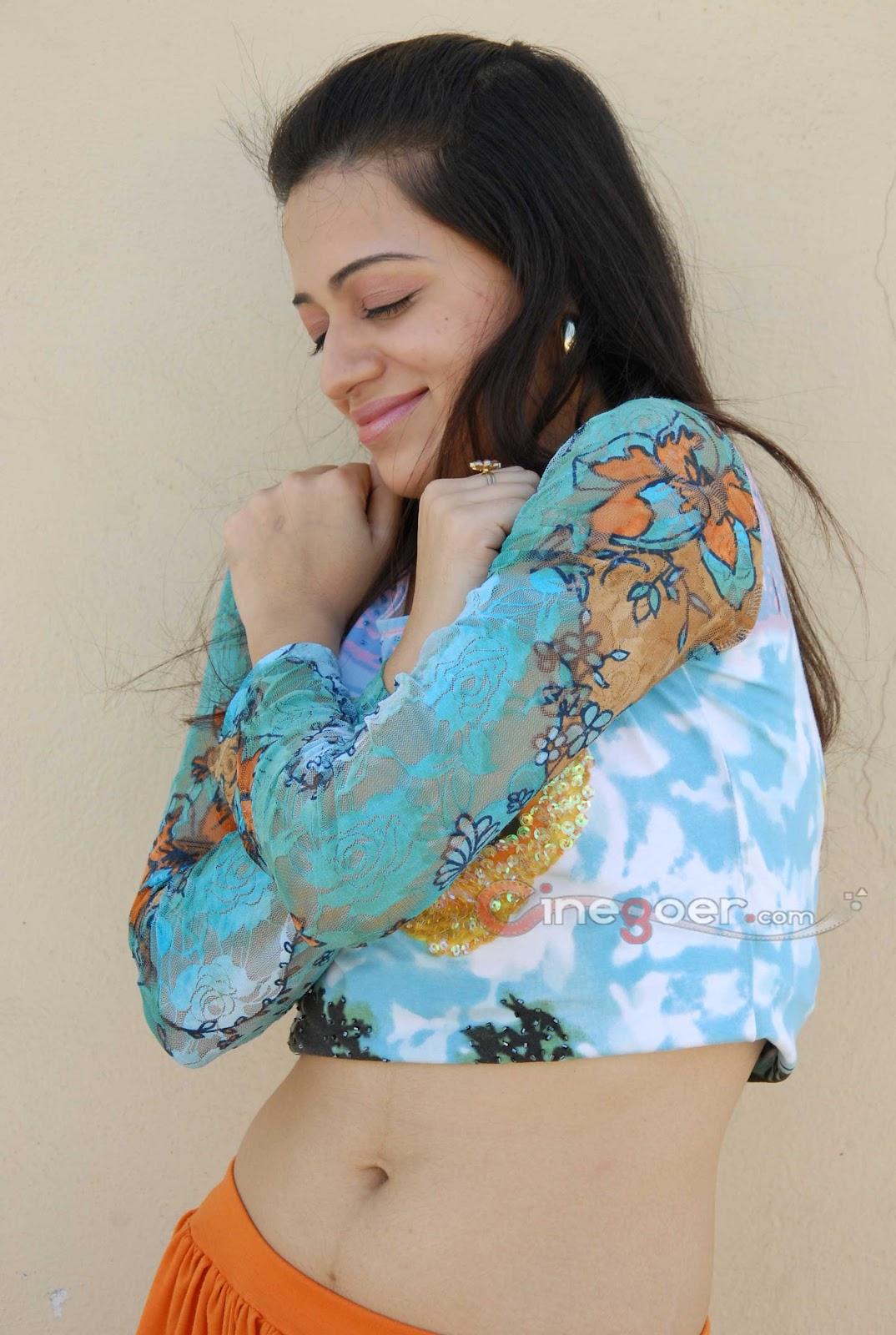 Shanvi Cute Hd Wallpapers Cinegoer Pics Reshma Hot Hd Stills Reshma Hq Wallpapers