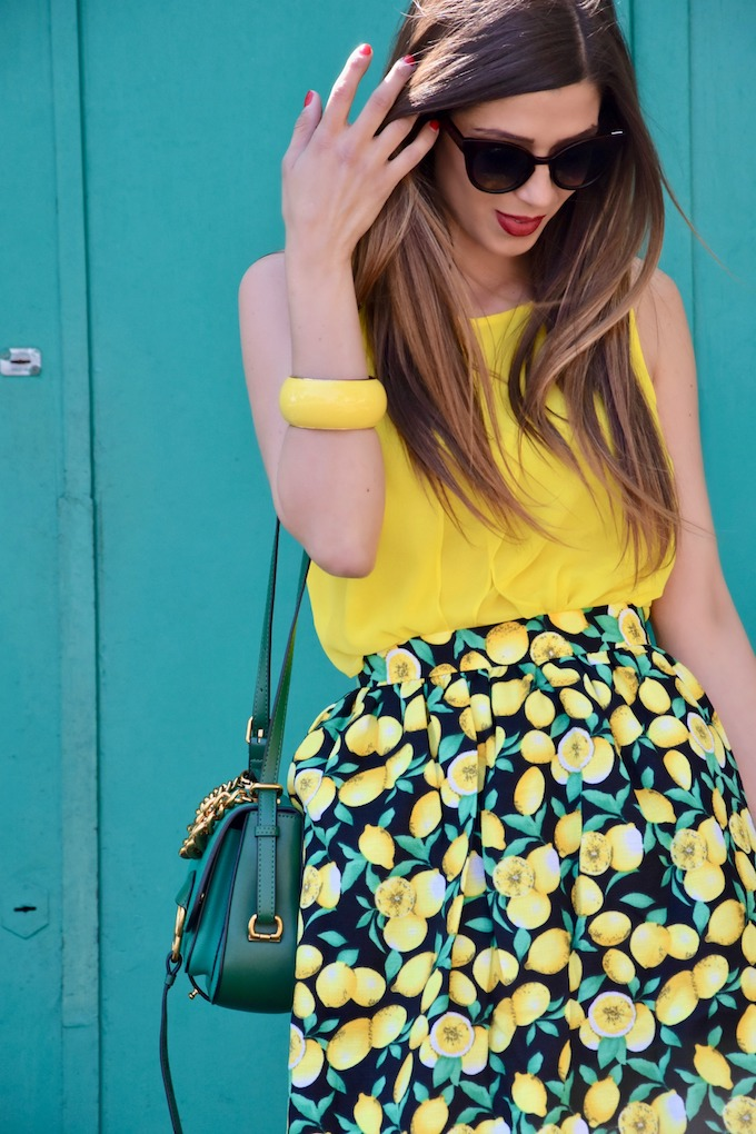 Dolce&Gabbana consacra il trend estivo della stampa limoni