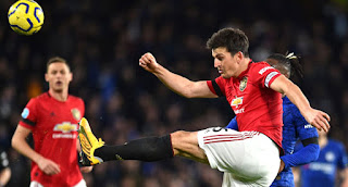 Manchester United Beat Chelsea 2-0