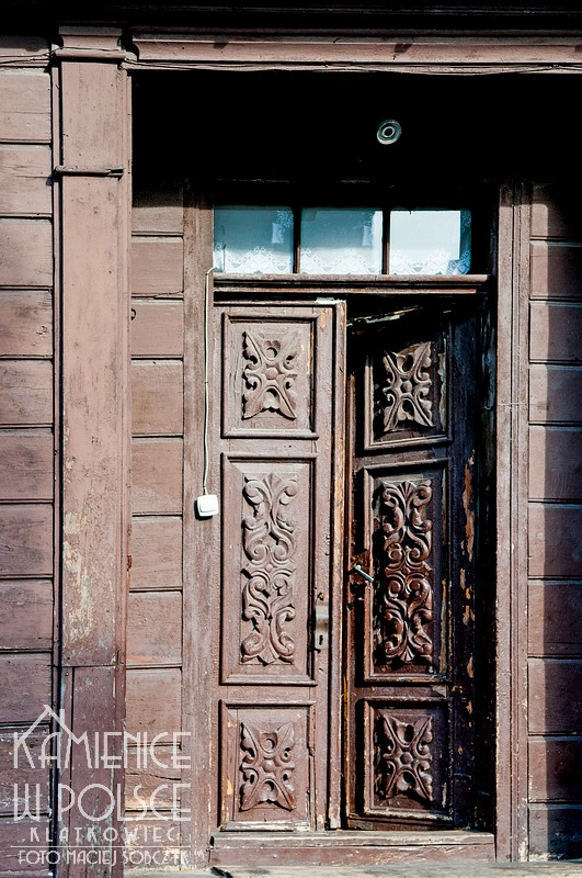 Sierpc. Architektura. Drewno. Snycerka. Drzwi.