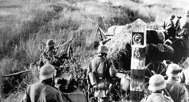 Архивные кадры в цвете первых дней войны.