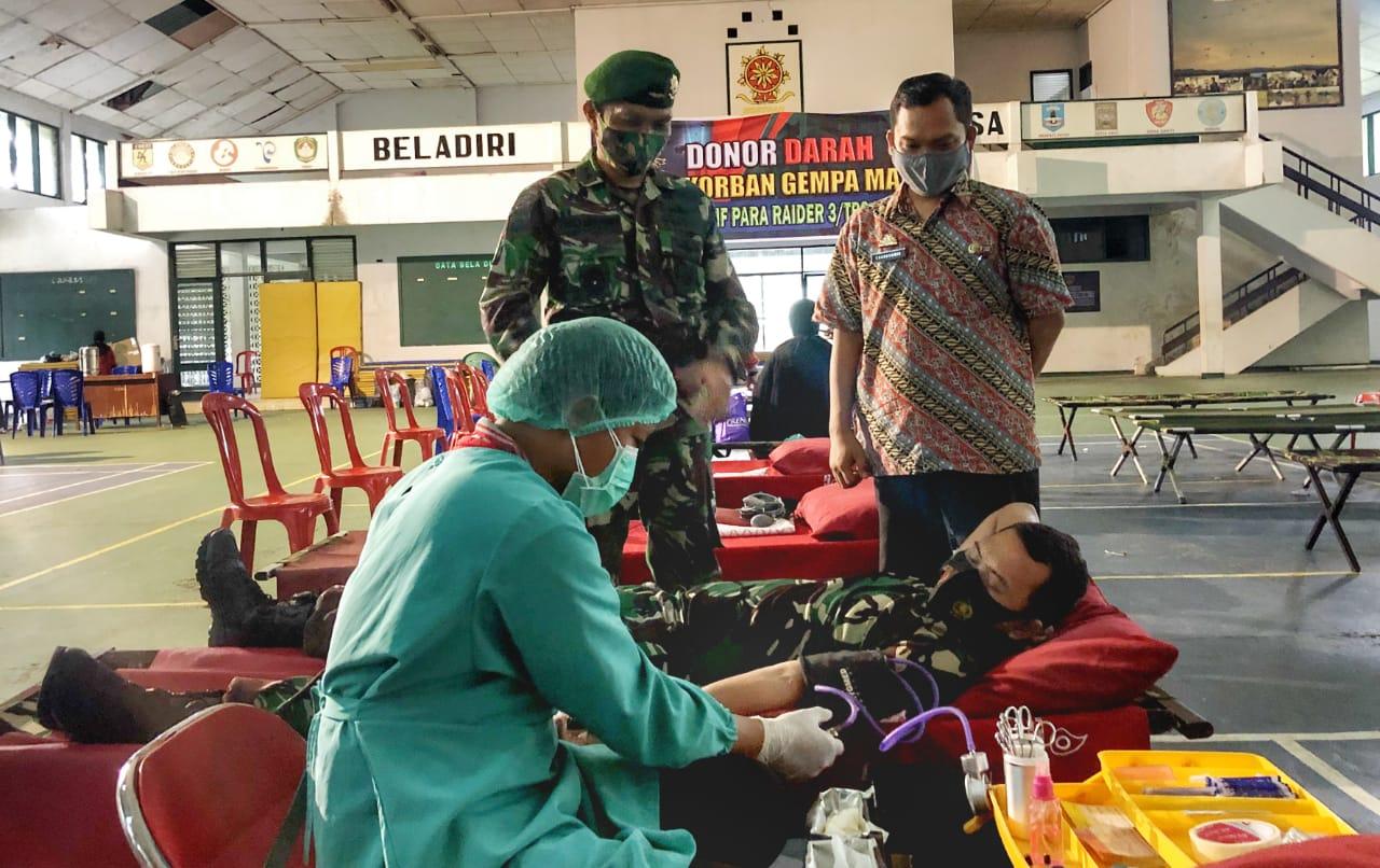 200 Prajurit Kostrad Gelar Aksi Donor Darah Untuk Korban Gempa Mamuju