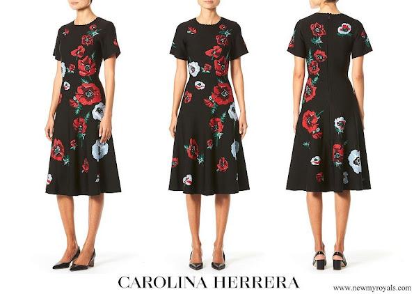 Queen Letizia wore Carolina Herrera poppy Print knit skirt
