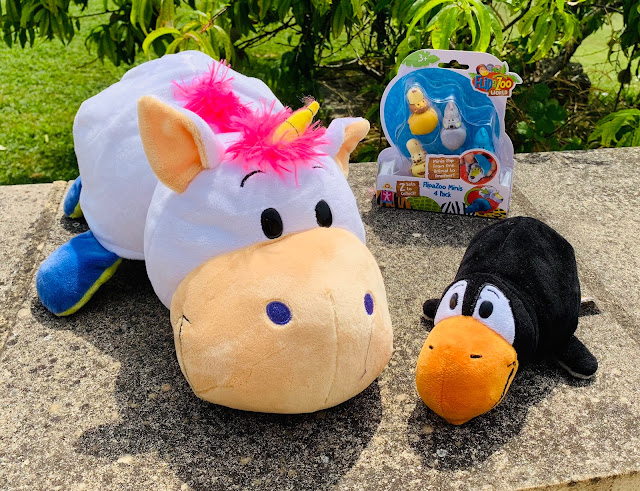 White unicorn 16 inch plush, 8 inch penguin and Flipazoo World miniatures 4 pack for review