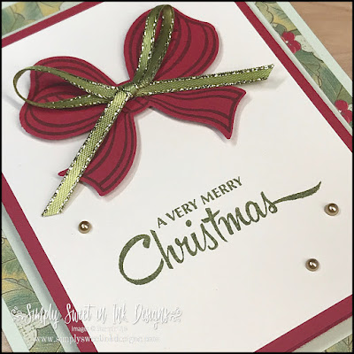 Make the holidays sweet with this fun and easy fancy z-fold gift card holder!