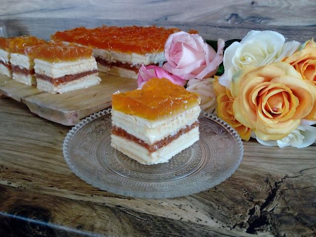 brzoskwiniowiec bez pieczenia ciasto z brzoskwiniami bez pieczenia ciasto z brzoskwiniami na zimno ciasto przekladane ciasto z mlekiem w proszku masa z mleka w proszku ciasto na herbatnikach ciasto z galaretka ciasto z kremem ciasto z musem brzoskwiniowym