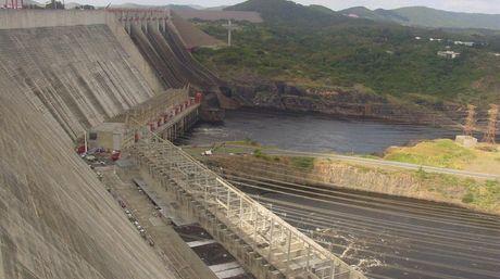 """El Guri está a 5,5 metros del colapso: """"podría ocurrir un apagón nacional en Venezuela"""""""
