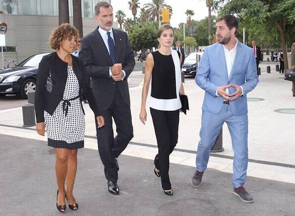 King Felipe and Queen Letizia visited Hospital del Mar and Sant Pau hospital for victims of the Barcelona attack