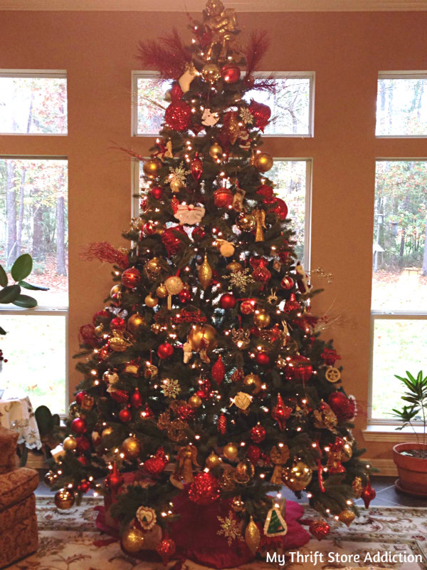 Red and gold traditional Christmas tree