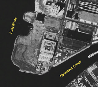 1994 black and white aerial image of abandoned tip of Hunter's Point