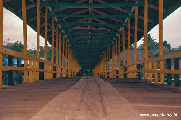 Jembatan Kayu Pusulemba Tentena