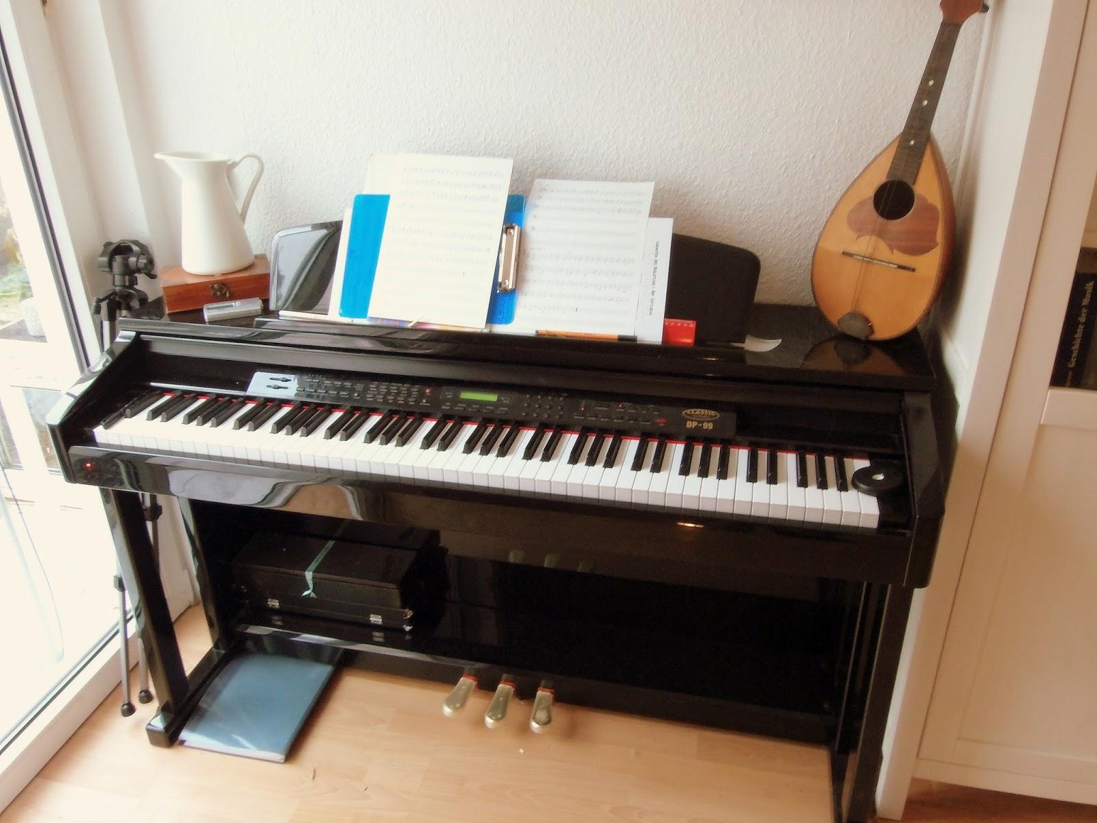 ein klavier ein klavier. Black Bedroom Furniture Sets. Home Design Ideas