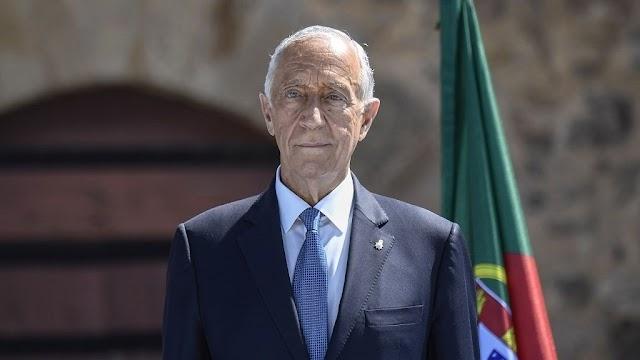 A portugál elnök mentett ki a vízből két nőt