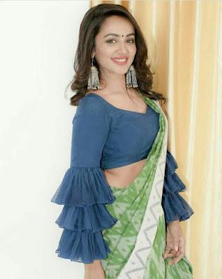 50 Trendy Saree Blouse Sleeve Styles To Try This Wedding Season