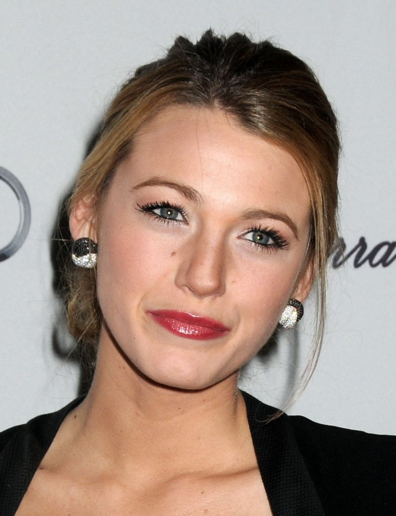 Celebrity Hairstyles Blake Lively  Angled Bob Hairstyle