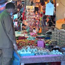 Pastikan Suplai Sembako Lancar di Musim Hujan, Iqbal Sidak Pasar Masamba