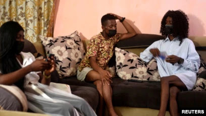Seorang Transgender di Kamerun Dipenjara Karena Kenakan Pakaian Perempuan di Publik.lelemuku.com.jpg
