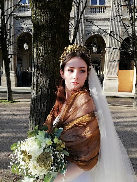 Eleonore portant la robe ginkgo