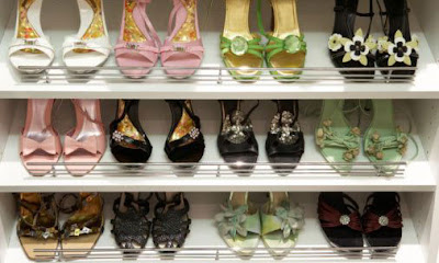Sapatos femininos diversos