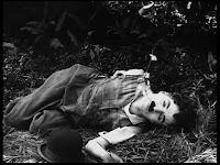 """Кадр из к/ф Чарли Чаплина """"Солнечная сторона"""" / Sunnyside (1919) - 5"""