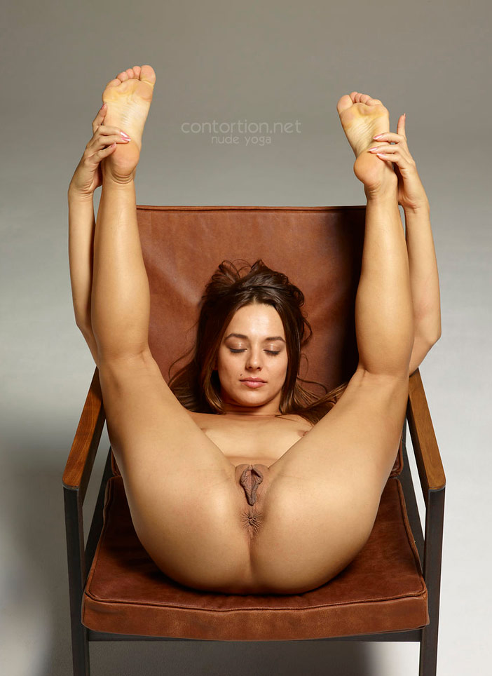 Gorgeous Nude Yoga Women Love Sex