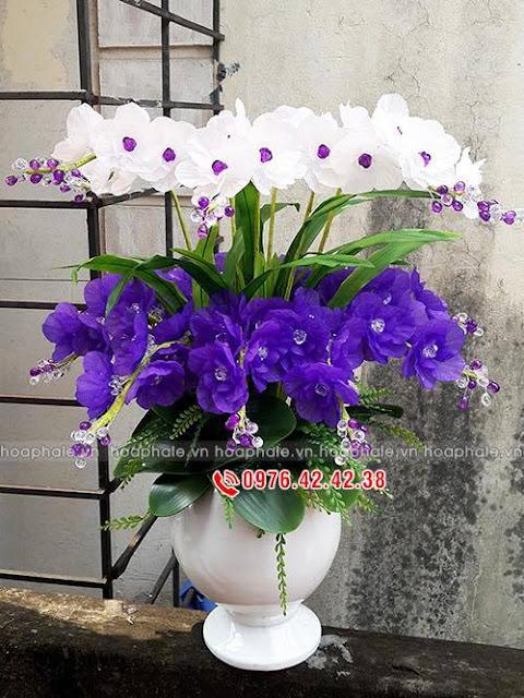 Cua hang hoa pha le tai Tay Ho