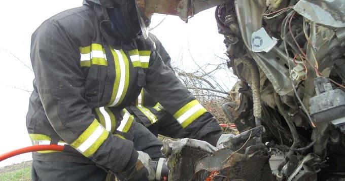 Két súlyos balesethez is vonultak a tűzoltók Füzesabony térségében (fotó)