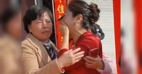 Мама жениха в шоке обнаружила во время свадьбы, что невеста — её дочь, потерянная более 20 лет назад
