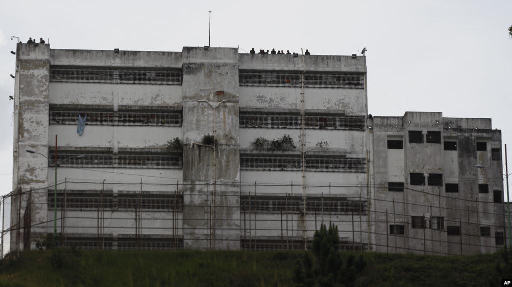 En un mensaje navideño, el director de la ONG, Alfredo Romero, reveló que esta sería la cifra más alta de presos políticos que la organización ha registrado en una Navidad / AP