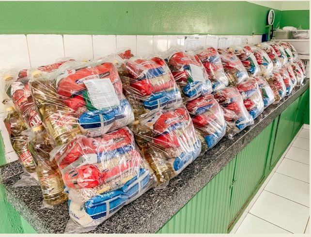 Cajati entrega kits de alimentação, higiene bucal e atividades de ensino remoto para alunos das escolas municipais