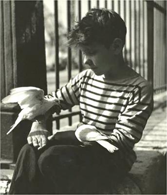 http://kvetchlandia.tumblr.com/post/143567739268/raymond-voinquel-paris-1950